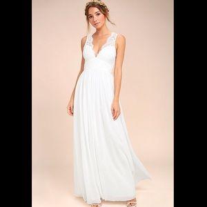 NWT gorgeous lulus lace-detail maxi dress